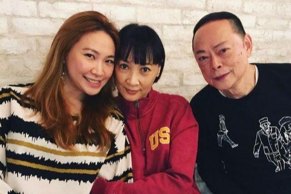 Tài tử La Lạc Lâm vẫn chăm sóc vợ dù đã ly thân 10 năm