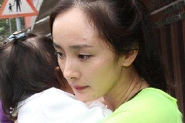Con cái sao đình đám Hoa ngữ nổi tiếng không kém gì bố mẹ: 'Thái tử Cbiz' ngày càng được săn đón, con gái Khâu Thục Trinh gợi cảm vượt xa mẹ