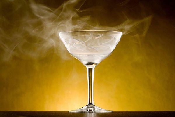 Ly cocktail này ẩn chứa 'tử thần vô hình': Đáng sợ đến nỗi 'bậc thầy pha chế' phải ra lời khuyên
