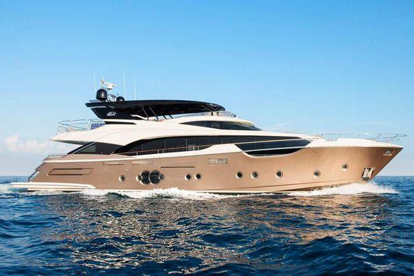 Chi tiết du thuyền MCY 96 có giá gần 11 triệu USD