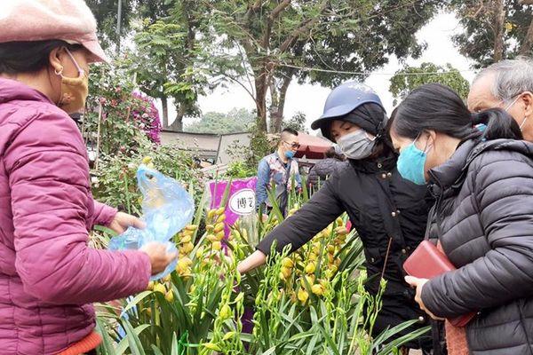 Tăng cường phòng, chống dịch Covid-19 tại các chợ hoa Xuân