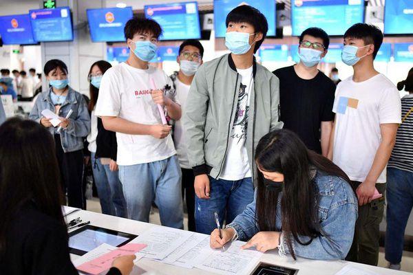 'Cơn ác mộng' tuổi 35 đối với người lao động Trung Quốc