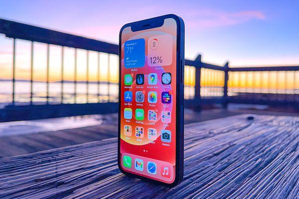 Phiên bản iPhone 12 đáng quên của Apple