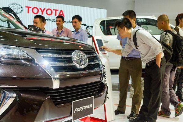Tháng cận Tết, doanh số bán ôtô giảm sút mạnh
