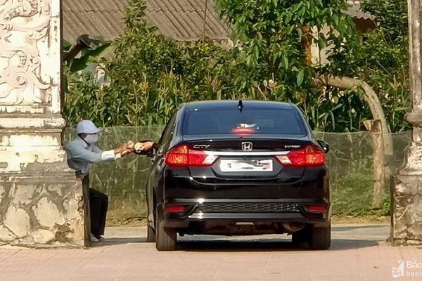 Nghệ An: Loạn giá vé gửi xe tại các đền chùa đầu năm mới