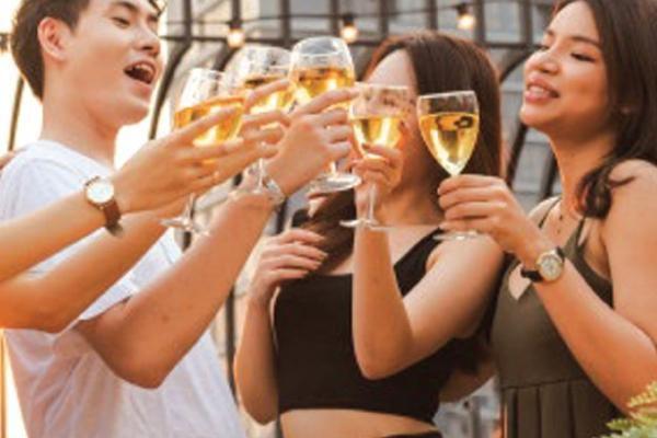 Ngày xuân nói chuyện rượu, tim mạch và 'thú vui trần thế'