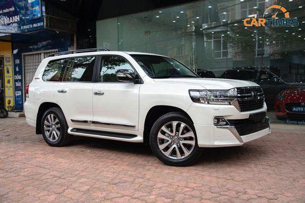 Toyota Land Cruiser VXS Executive Lounge 2021 giá hơn 6 tỷ đồng tại Việt Nam có gì đặc biệt?