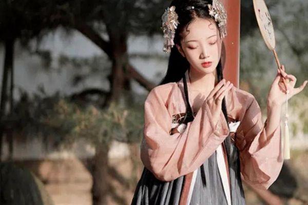 Tiểu công chúa Trung Hoa bị ép gả, chết do bị thị tẩm ngày đêm