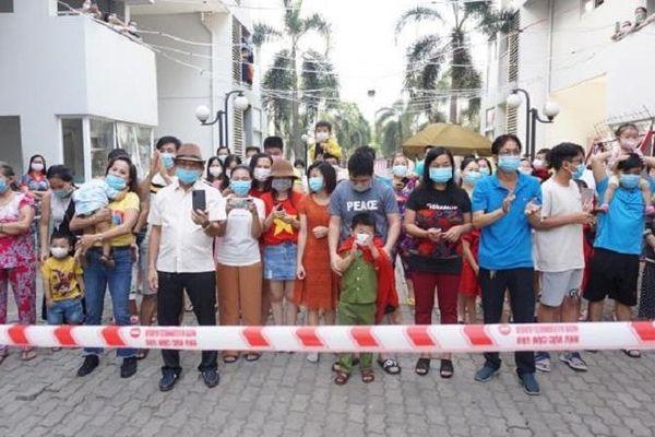 Bình Dương dỡ phong tỏa tòa nhà còn lại của chung cư Ehome 4 ở TP Thuận An