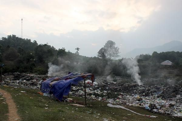 Xử lý rác thải sinh hoạt ở miền Tây Nghệ An: Nhiều bất cập