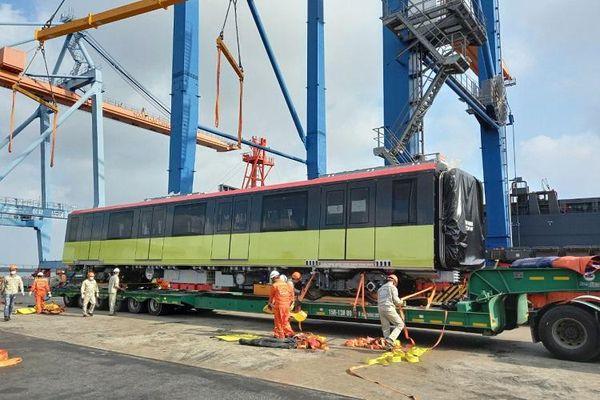 Đoàn tàu metro thứ ba đường sắt Nhổn - Ga Hà Nội đã về đến Việt Nam