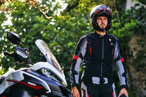 Ducati ra mắt áo giáp môtô được trang bị túi khí