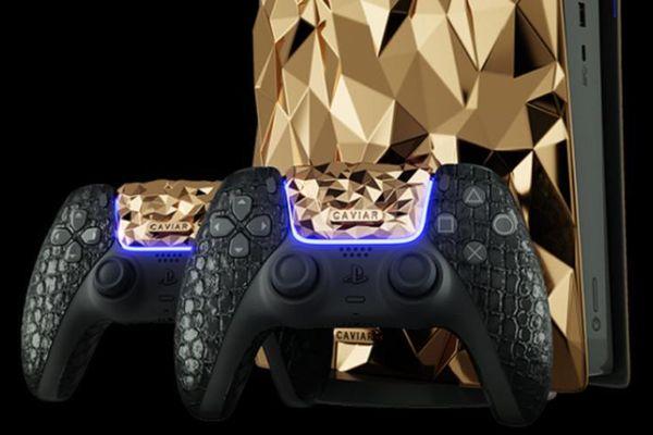 Ngắm máy PlayStation 5 phủ 4,5 kg vàng, tay cầm bọc da cá sấu