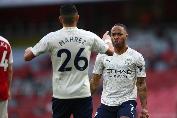 Premier League: Thành Manchester trọn niềm vui, West Ham lên tốp 4