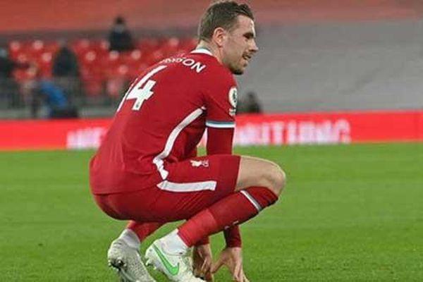 Hàng thủ Liverpool: Đến lượt Henderson chấn thương
