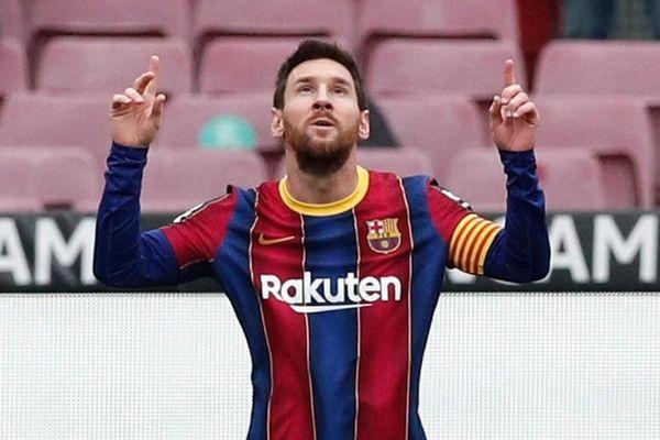 Messi lập hai cột mốc, vượt Xavi và Ronaldo trong lịch sử La Liga