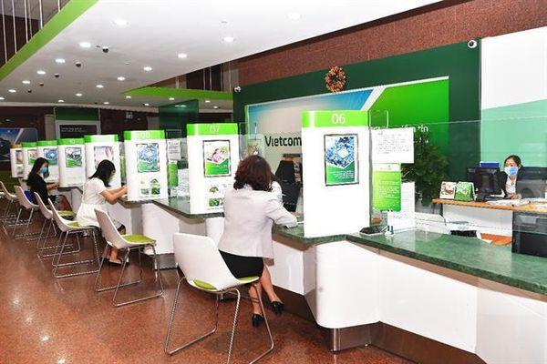 Vietcombank tiếp tục giảm lãi suất