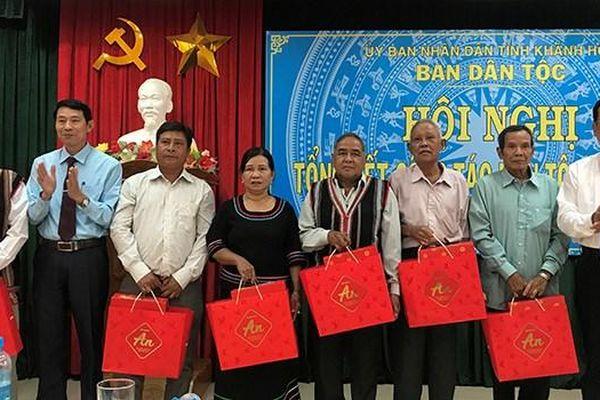 Khánh Hòa: Triển khai chính sách đối với người có uy tín trong đồng bào DTTS