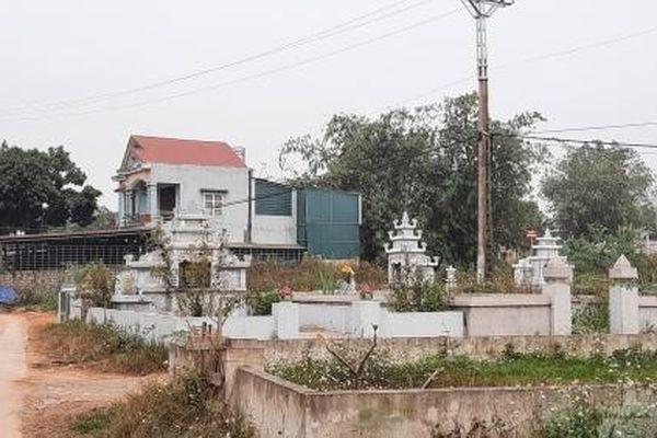 Sống chung với người chết: Nghĩa địa 'bủa vây' khu dân cư