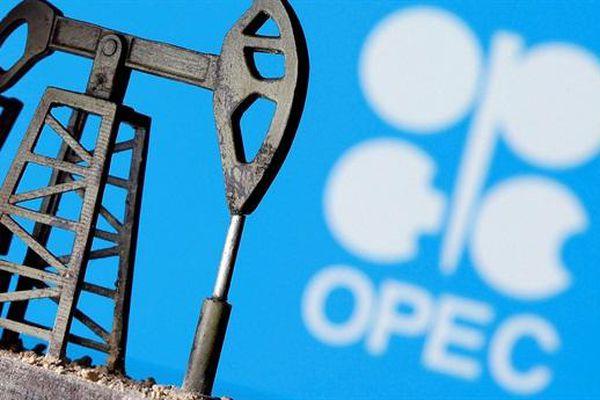 Giá dầu tăng vì tình hình Texas, OPEC+ lại sắp khai chiến