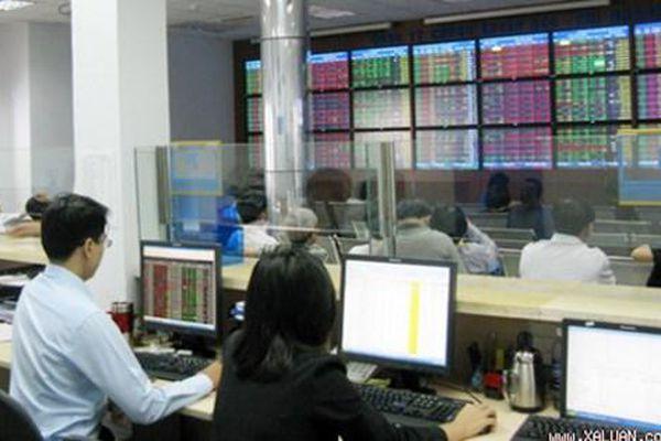 Tổ chức kinh doanh chứng khoán thực hiện phương án khắc phục kiểm soát đặc biệt ra sao?