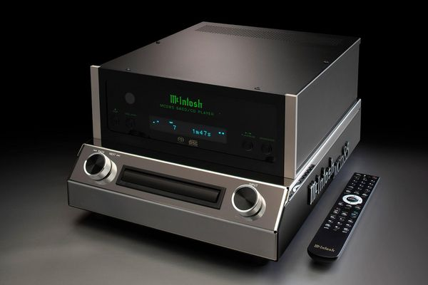 Đầu đọc CD/SACD McIntosh MCD85, độc đáo thiết kế theo phong cách ampli đèn retro