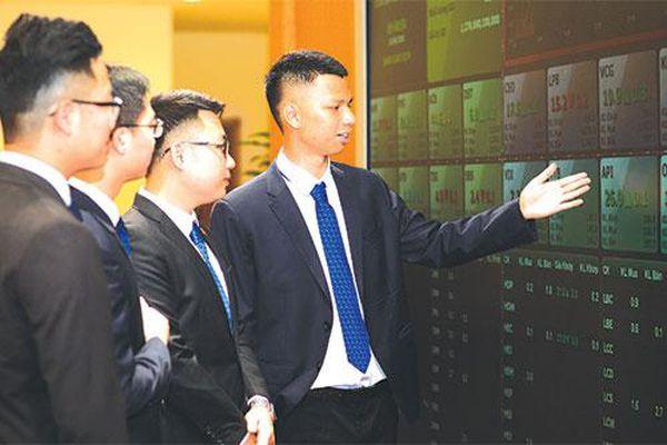 HNX chuyển biến tích cực trên các mảng thị trường