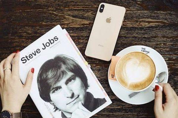 Steve Jobs - 'Cha đẻ' iPhone, 66 năm và những câu chuyện đầy cảm hứng!