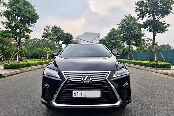 Lexus RX350L 2019 hơn 4 tỷ tại Sài Gòn, đắt như xe mới