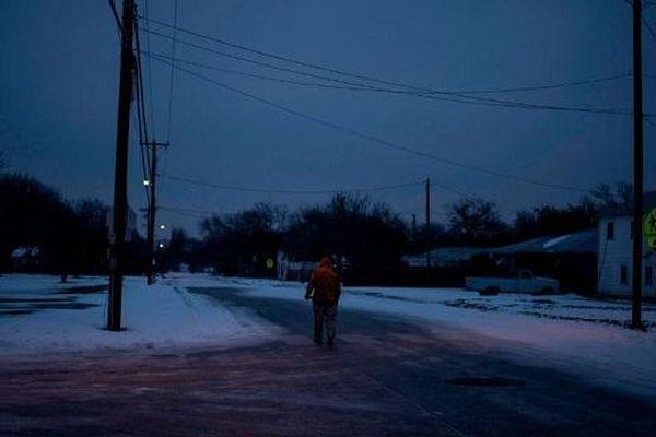 Mỹ: Hàng loạt thành viên hội đồng điện lực Texas từ chức vì tình trạng mất điện