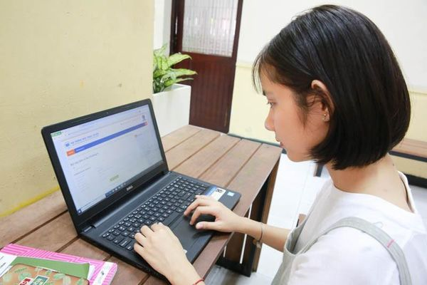 Chiêu trò sinh viên khi học trực tuyến, thầy cô 'gánh' trách nhiệm?