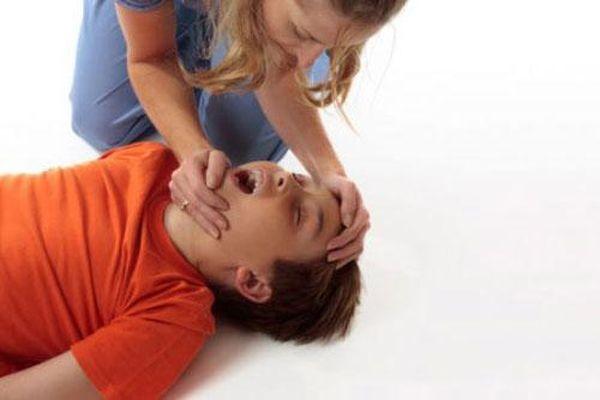 Triệu chứng thường gặp của bệnh động kinh