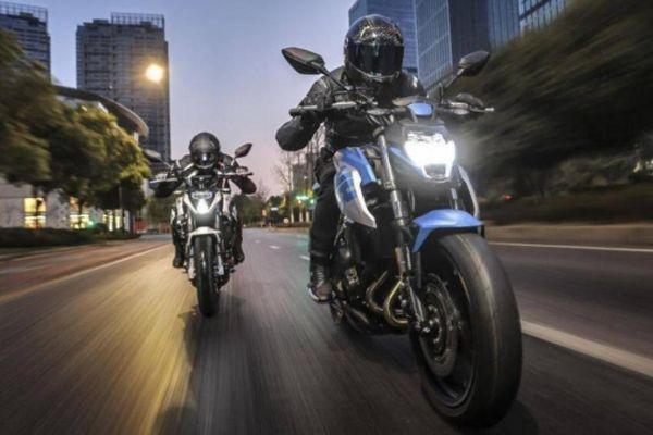 Cận cảnh mô tô thể thao CFMoto 400NK 2020, giá hơn 90 triệu đồng