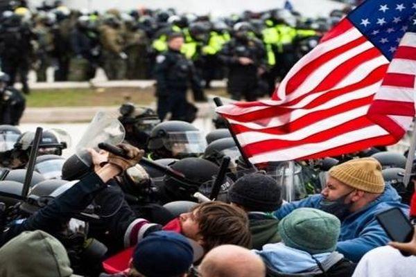 Quan chức an ninh Mỹ lần đầu lên tiếng về cuộc bạo loạn Capitol nhưng lại đưa lời khai mâu thuẫn