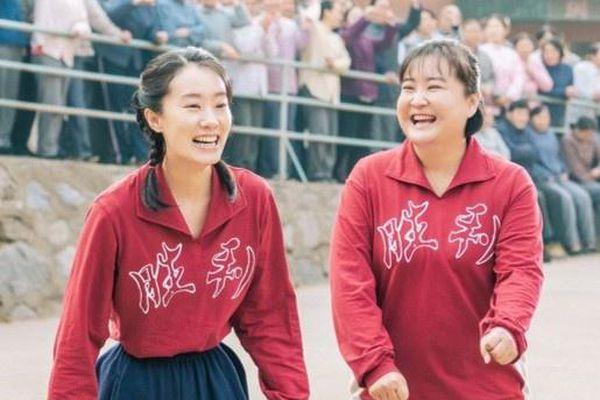 Chuyện tình mẫu tử và nước mắt Giả Linh thống trị phòng vé Trung Quốc