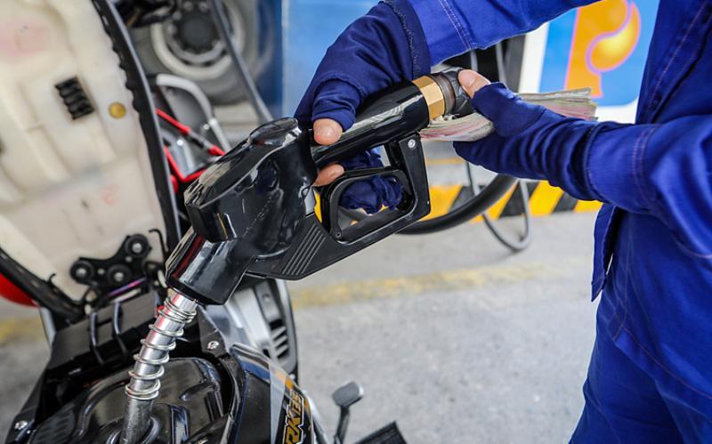 Tăng chi quỹ bình ổn và tăng giá xăng dầu