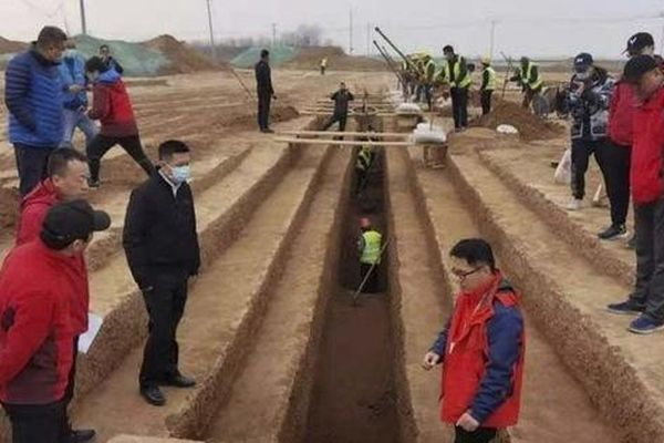 Xây đường tàu và sân bay, đụng độ 3.500 mộ cổ nằm gần 'đội quân đất nung'