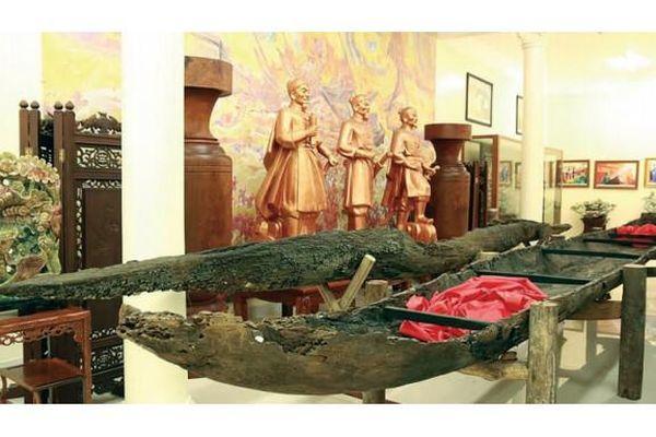 Thăm bãi cọc Cao Quỳ bên dòng Bạch Đằng giang lịch sử
