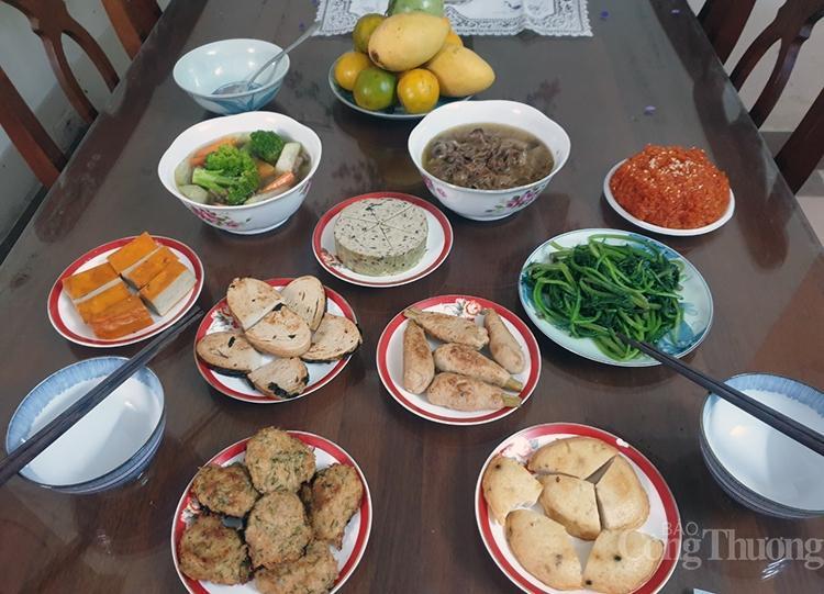 Thực phẩm chay sôi động ngày rằm tháng Giêng