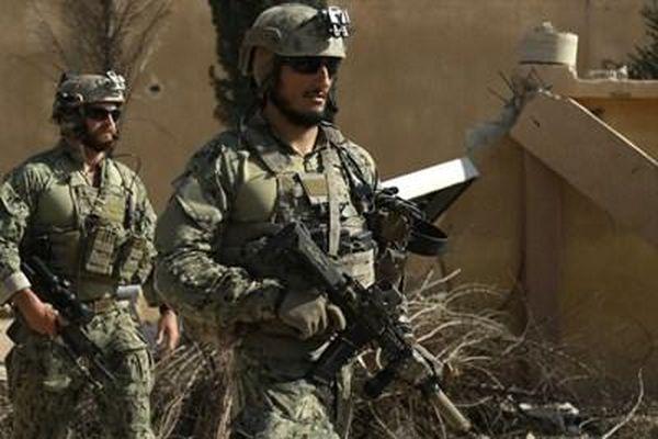 Mỹ bất ngờ không kích ở Syria