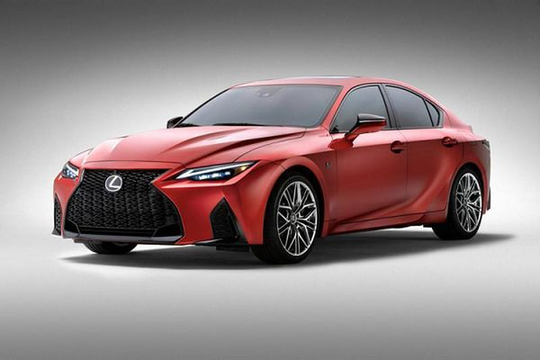 Ra mắt xe sang thể thao Lexus IS 500 F Sport Performance 2022