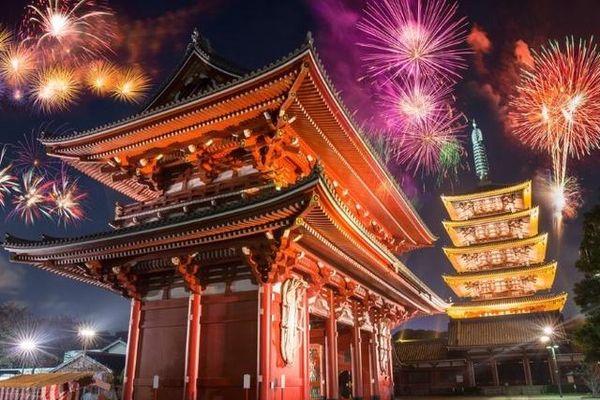 Cách đón năm mới khác lạ trên khắp thế giới