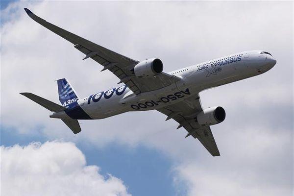 Airbus công bố lượng carbon do máy bay thải ra môi trường