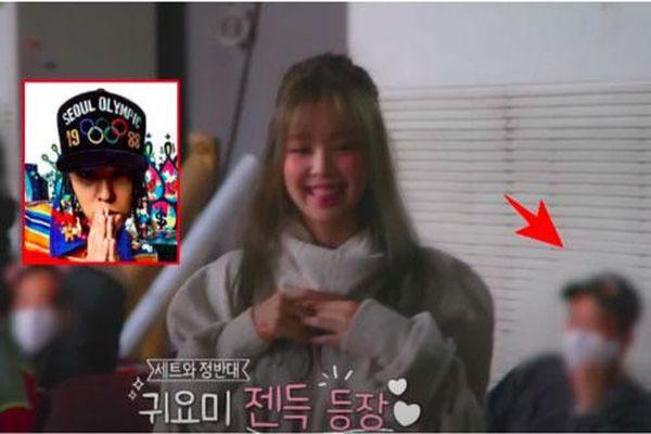 Rosé đèo Jisoo trên con xe y chang ảnh G-Dragon bị Dispatch tóm, hóa ra hẹn hò Jennie ở hậu trường quay MV Lovesick Girls?