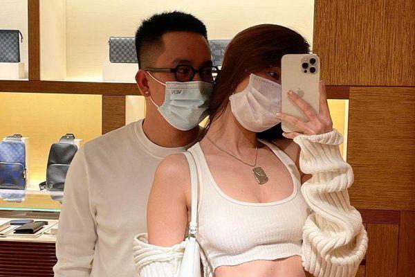 Ngọc Trinh khiến fan 'đứng ngồi không yên' khi diện áo ngắn cũn khoe eo thon bên trai lạ