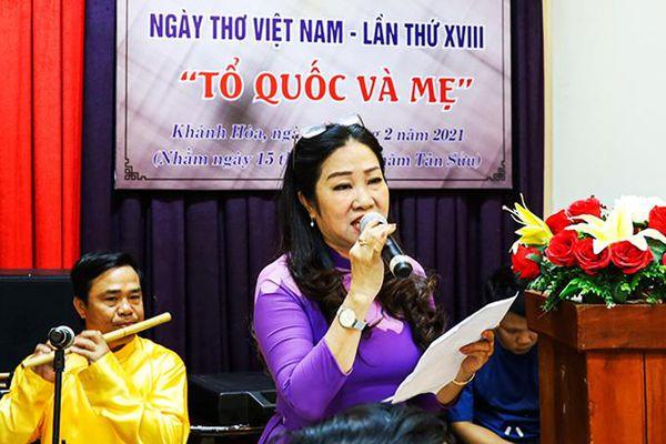 Gặp mặt nhân ngày Thơ Việt Nam