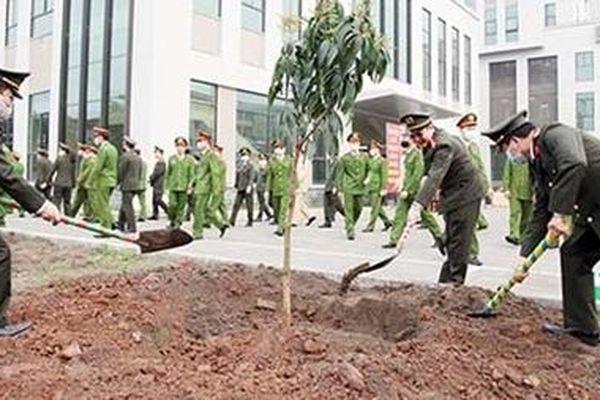 Công an tỉnh Thái Nguyên phát động 'Tết trồng cây'
