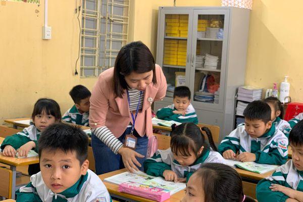 Bộ Giáo dục tái khẳng định bỏ yêu cầu chứng chỉ ngoại ngữ, tin học với giáo viên