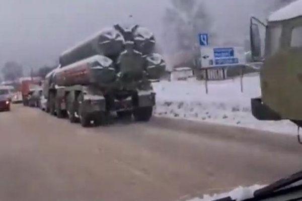 Hệ thống phòng không S-400 của Nga bất ngờ gặp tai nạn liên hoàn