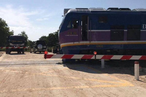 Lắp cảnh báo tự động, TNGT 'hạ nhiệt' ở các điểm giao cắt đường sắt